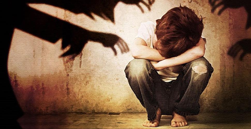 Xử lý tình huống khi gặp kẻ xấu bắt cóc trẻ con