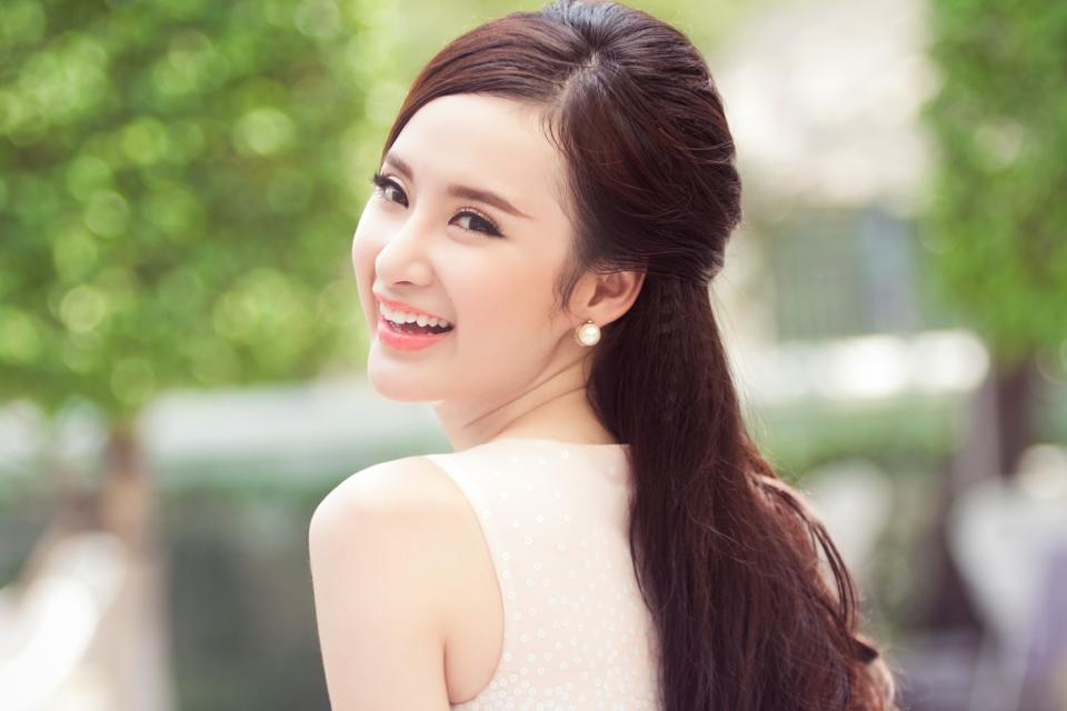 Angela Phương Trinh bất ngờ tuyên bố rút lui khỏi dự án