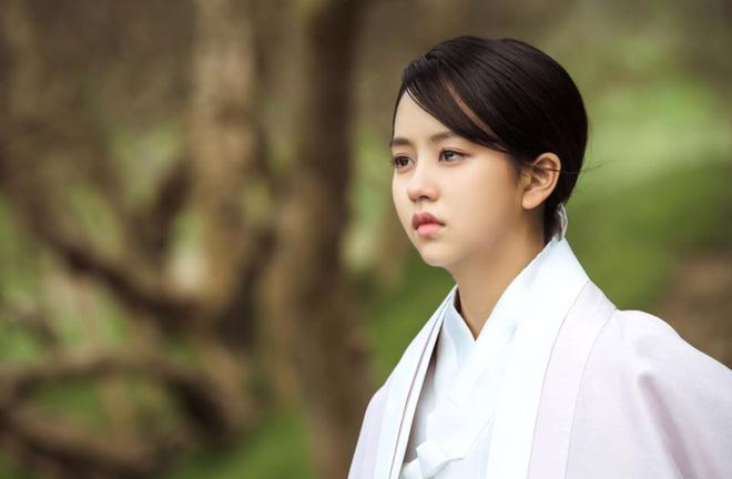 Đây là 3 cảnh khóc xuất thần của Kim So Hyun trong Mặt Nạ Quân Chủ