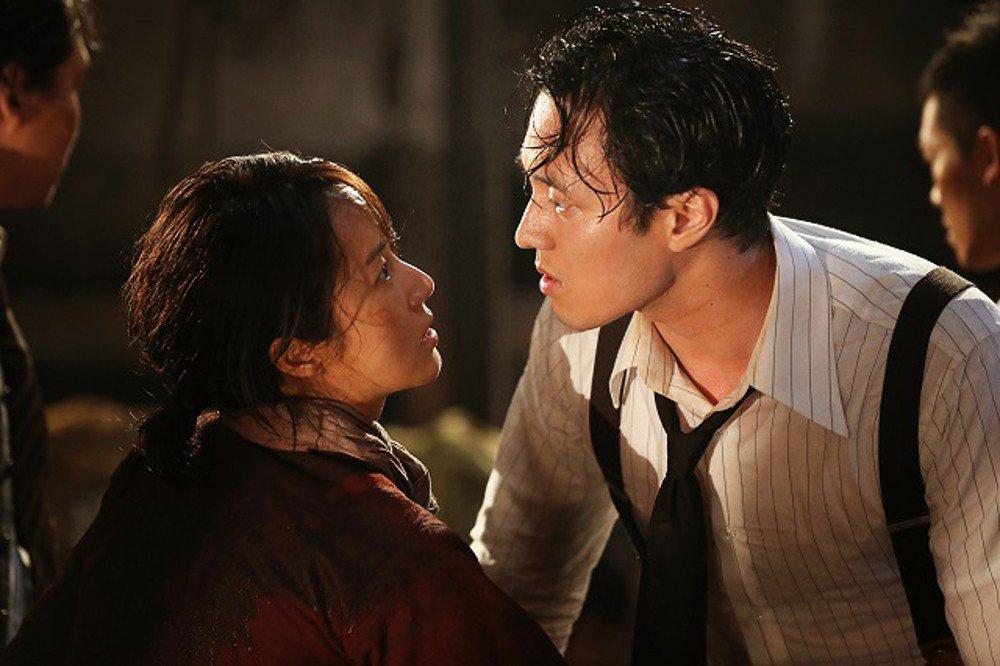 Lee Jung Hyun nói về bạn diễn So Ji Sub trong bộ phim Battleship Island