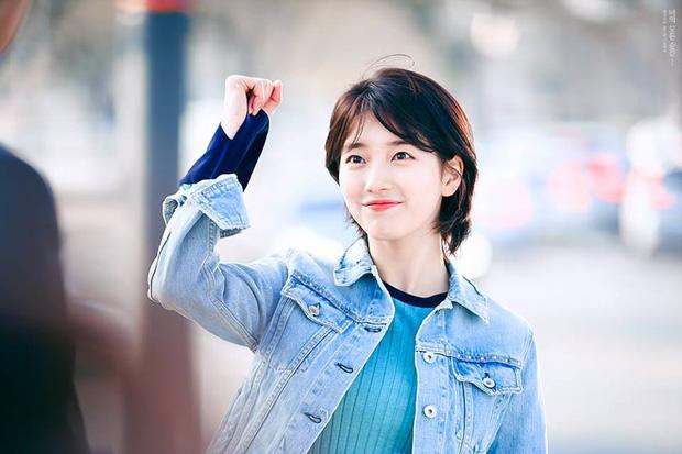 Phim của Lee Jong Suk, Suzy tung poster đẹp ngang ngửa